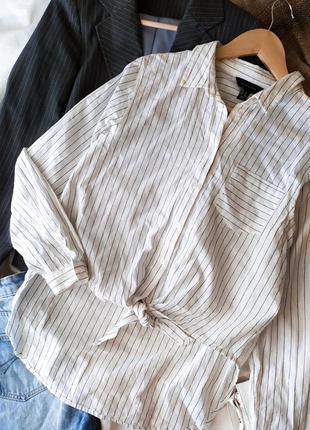 Монохромная полосатая рубашка в полоску с узлом спереди   овер...