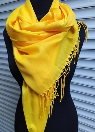 Легкий палантин желтый шарф