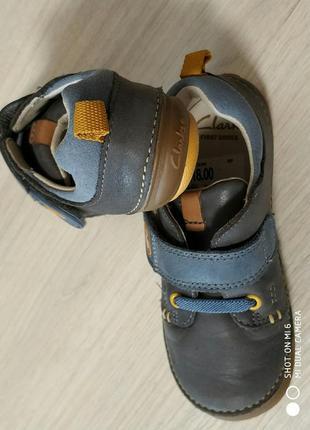 Кожаные туфли кроссовки clarks на липучке серого голубого цвет...