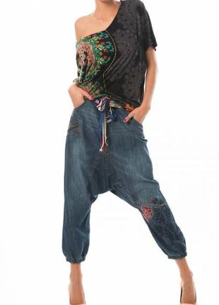 Фирменные джинсы шаровары с вышивкой desigual 50-52
