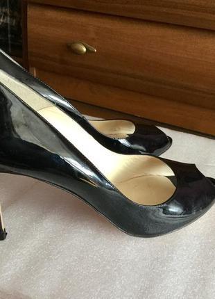 Шикарнейшие кожаные туфли  на 41 размер