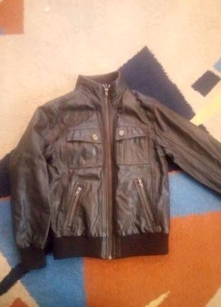 Куртка ( шкірзамінник )