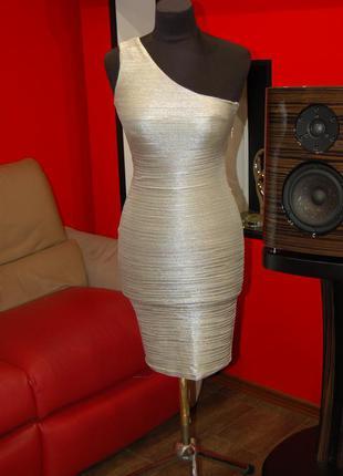 Продам фирменное лёгкое обтягивающее платье, сарафан, новое