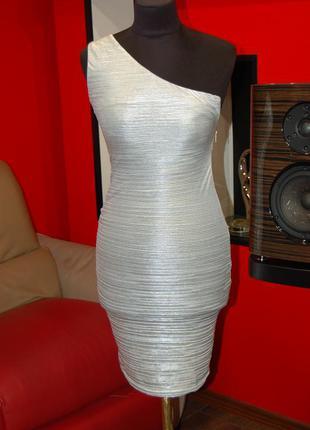 Продам фирменное лёгкое обтягивающее платье, сарафан