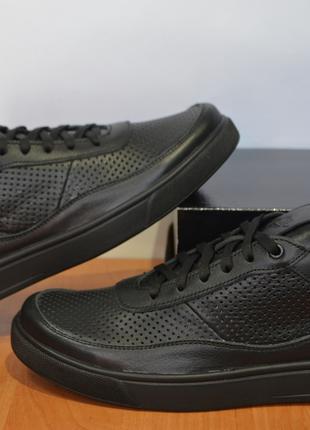 Летние кожаные кроссовки Nike.