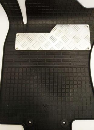 Подпятник для автомобильных ковров антискользящий.