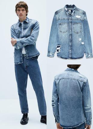 Мужская джинсовая рубашка с разрывами zara голубого цвета