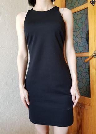 Эффектное черное платье из эластичной качественной ткани