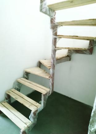 Каркас для лестниц с профильной трубы