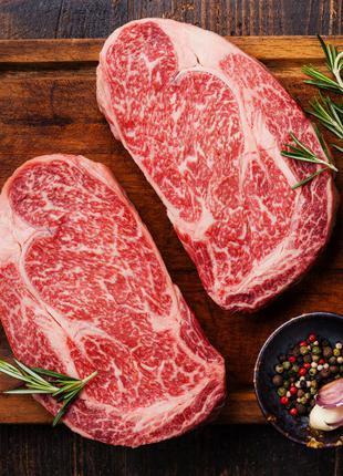 Продавец мяса и мясной продукции
