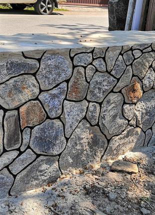 Фундаменти з камня, металопрофелю