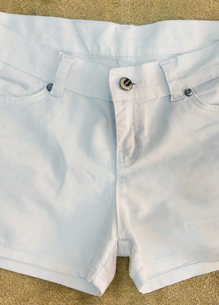 Белые летние шортики
