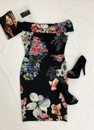 Платье с интересной спинкой в цветочный принт
