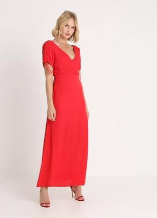 Длинное платье алого цвета minimum