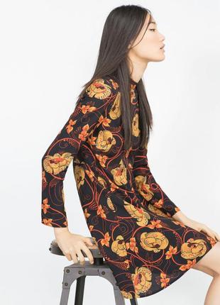 Платье с принтом zara