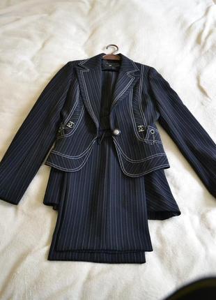 Класический деловой костюм тройка