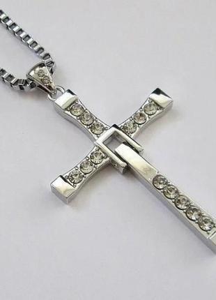 Крест Вин Дизеля Торетто с цепочкой титановый сплав