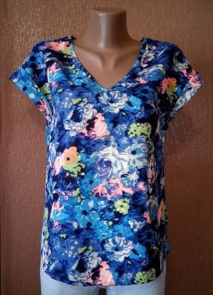 Блузка футболка в цветочный принт  atmosphere