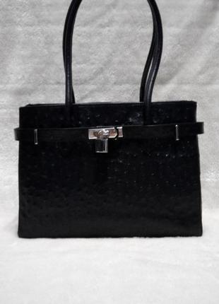 Итальянская кожаная сумка среднего размера,деловая