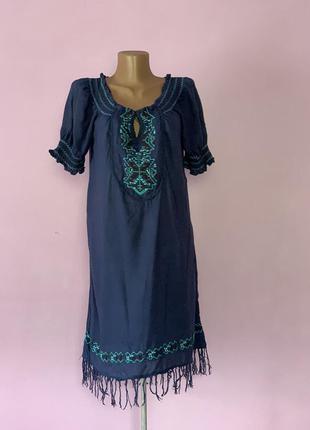 Милое платье натуральная ткань с вышивкой синее