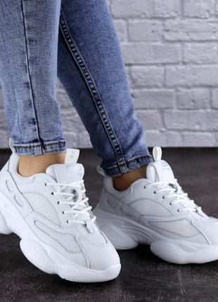 Женские кроссовки летние белые Bonita