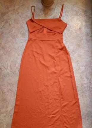 Красивое платье теракоттового цвета с вырезом от fashion union
