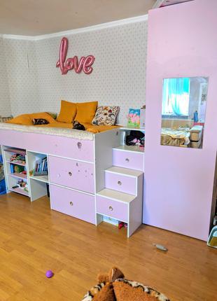 Кровать-Чердак с выдвижным столом для девочки