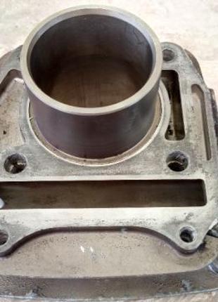 Цилиндр задний с новой гильзой на HYOSUNG GT250, GT250R, GV250
