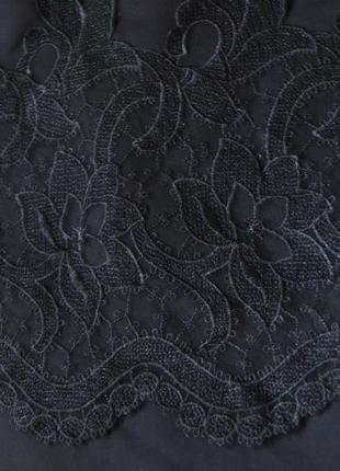 Классическая черная юбка с гипюром