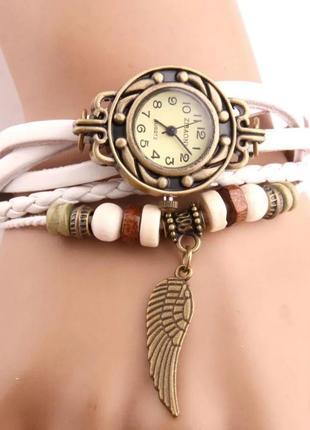 Часы наручные женские белые