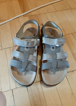 Мальчиковые сандали 33 размер новые