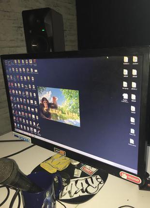 """Стационарный компьютер и монитор 22"""""""