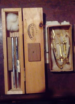 Исторический набор инструментов ирландского хирурга-офтальмолога