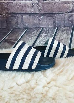 Шлепанцы adidas. оригинал.