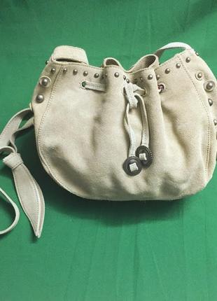 Замшевая сумка кроссбоди через плечо mango