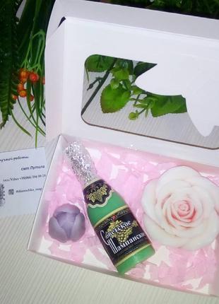 Подарочный набор из мыла ручной работы розы тюльпан шампанское