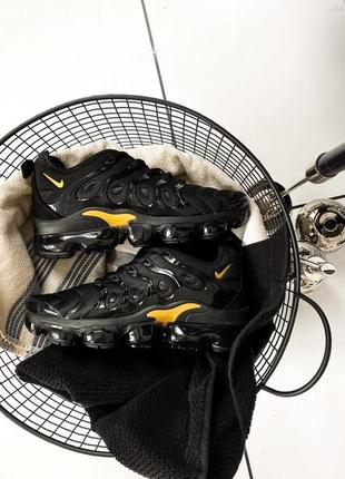 "Nike air vapormax plus ""black/gold"