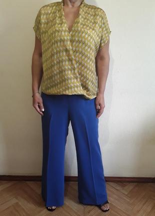 Трендовые брюки  палаццо цвета электрик + блузка