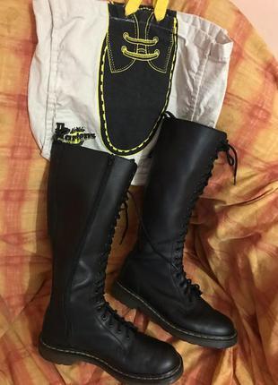 Ботинки сапоги кожа мартинсы dr martens/ с фирменным шопером