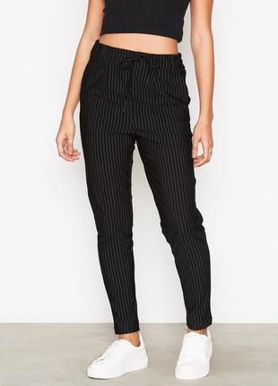 Полосатые брюки штаны дудочки чиносы джоггеры в тонкую полоску...