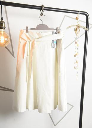 Кравивая белая юбка .