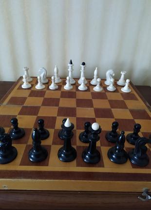 Шахматы советские с деревянной доской-42х42см.