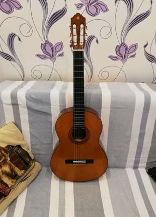 Продаю гитару YamahaC40