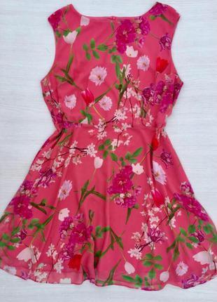 Красивое нарядное платье в цветыwallis