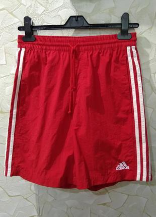 Красные шорты adidas адидас
