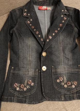 Женский джинсовый пиджак