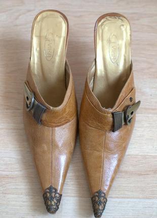 Туфли с открытой пяткой,узким носком