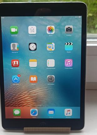 Планшет Apple A1432 iPad mini Wi-Fi 32GB,iCloud чистый.