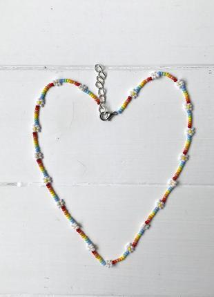 Ожерелье из бисера, радужное с ромашками