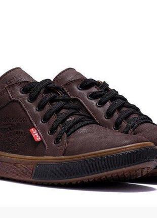 Кожаные мужские  кроссовки levis  40-45 р-ры